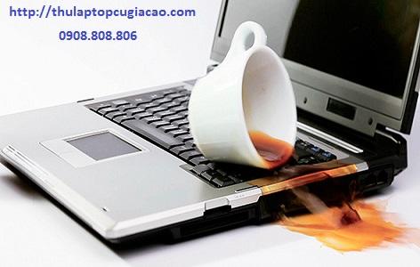 laptop bị vô nước