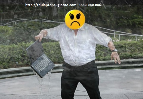 laptop bị vô nước nặng
